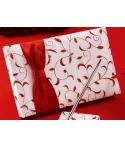 Livre d'or blanc et rouge avec son porte-plume