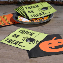 20 x Serviette Halloween trick or treat vert et noir, et orange citrouille